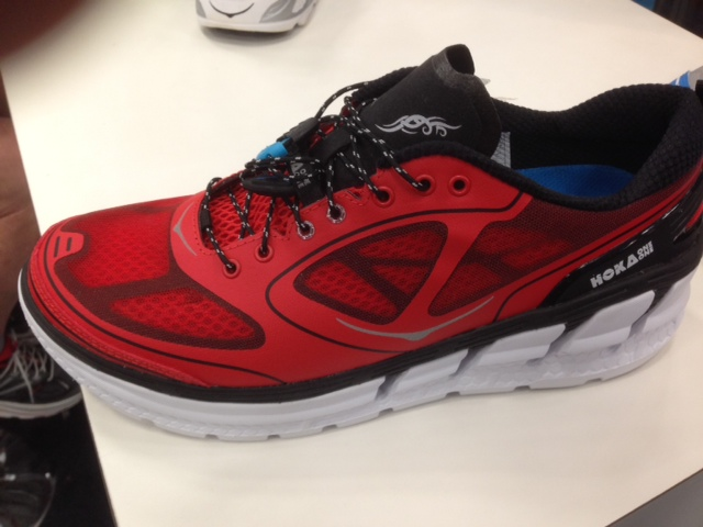 Hoka One One Conquest 2014